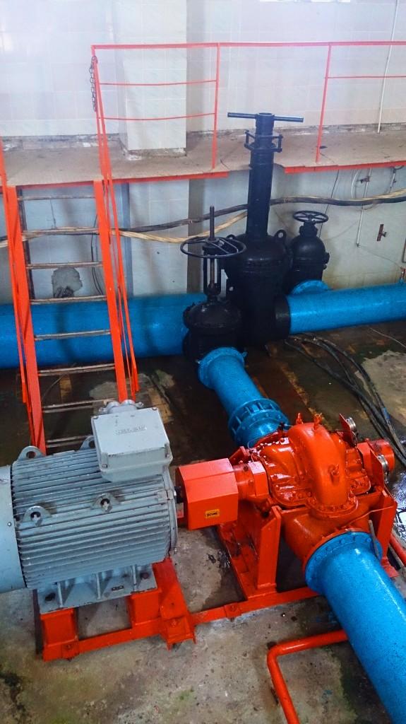 Один з насосів насосної станції водозабору «Минай»